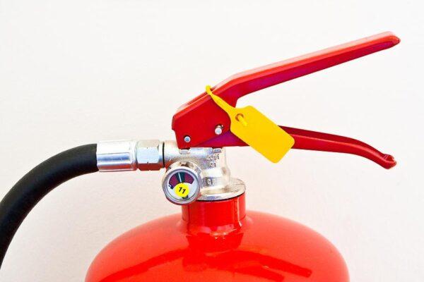 Bình chữa cháy có đồng hồ đo áp được sử dụng rộng rãi