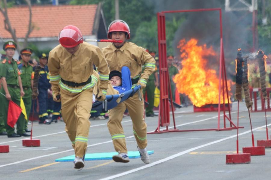 Quần áo chữa cháy tạo sự đồng bộ và thuận tiện trong quá trình công tác