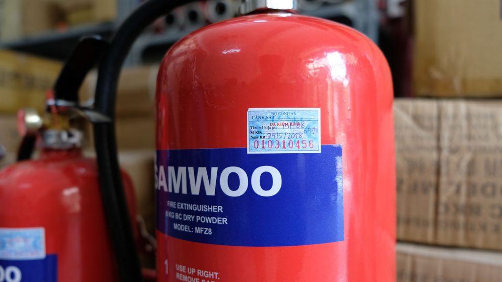 Quy định về thời gian nạp bình chữa cháy thường được dán trên tem của bình PCCC