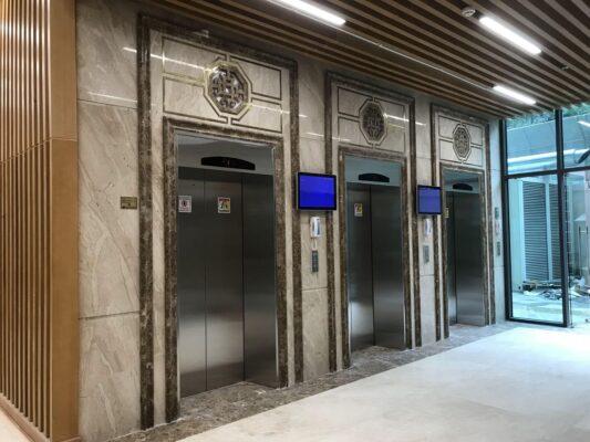 Tại các tòa nhà cao tầng, thang máy cứu hoả là rất cần thiết