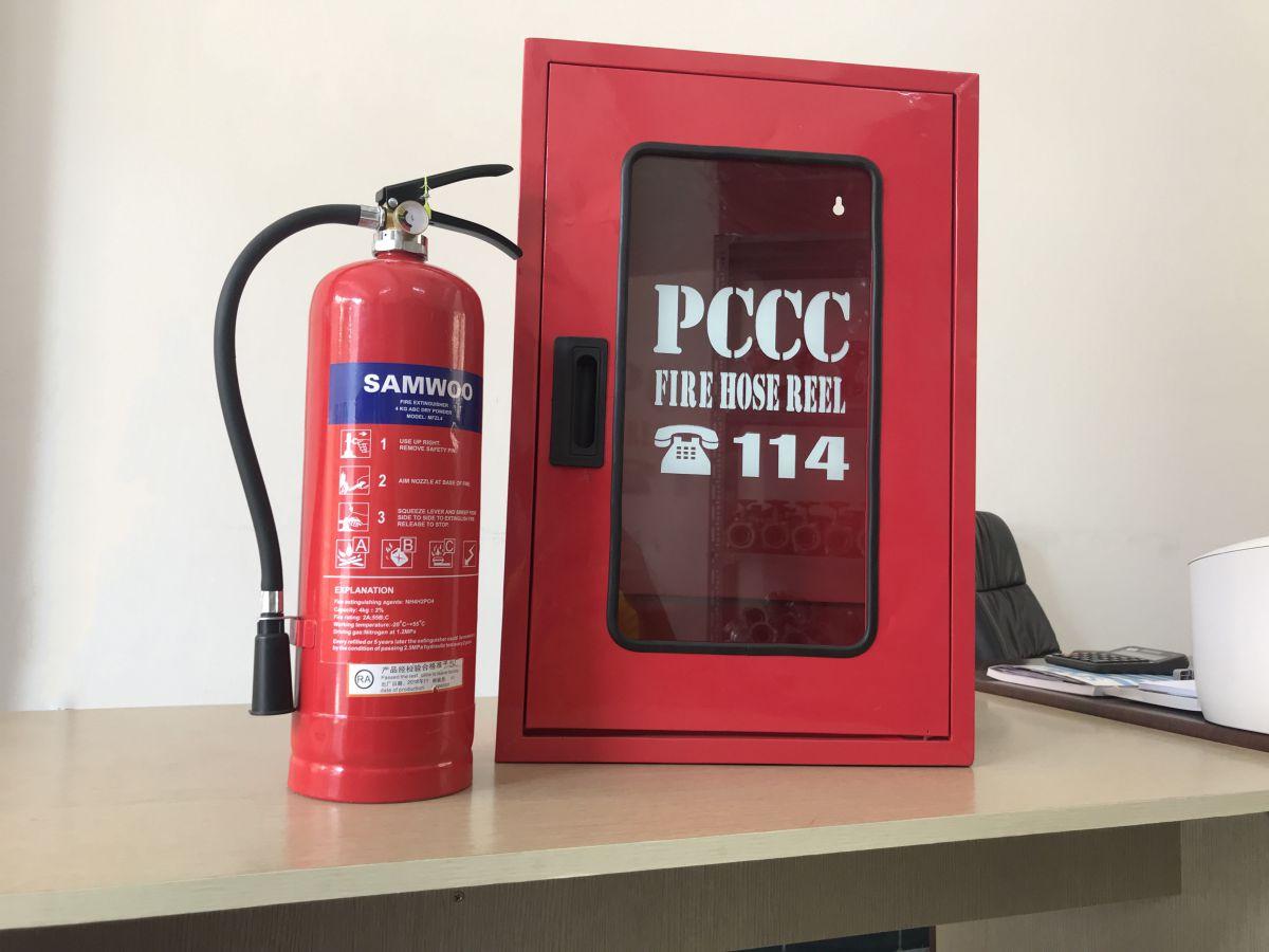 Mỗi gia đình cần trang bị ít nhất một bình cứu hỏa để có thể sử dụng khi xảy ra cháy nổ